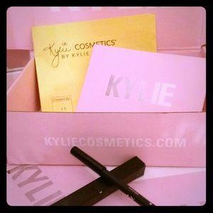 💄AUTHENTIC Kylie Lip Liner💄